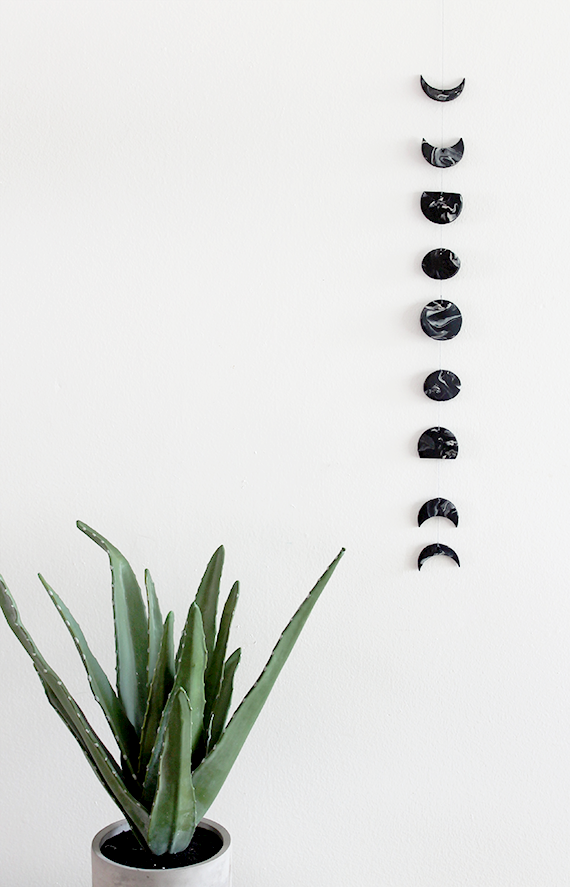 diy-marble-moon-phase-wall-hanging-1