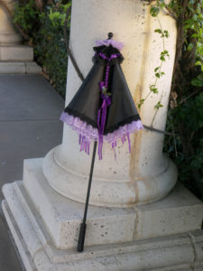 KC Dragonfly - Black and Purple parasol - upright