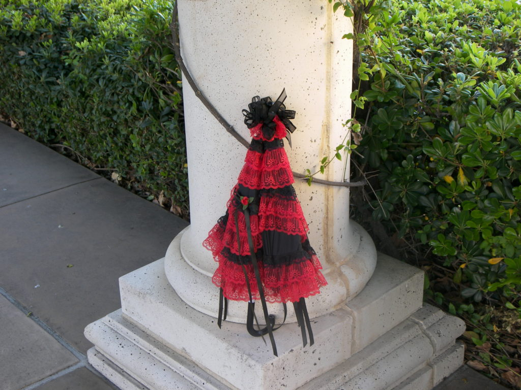 KC Dragonfly - Black and Red Sweet Lolita - closed